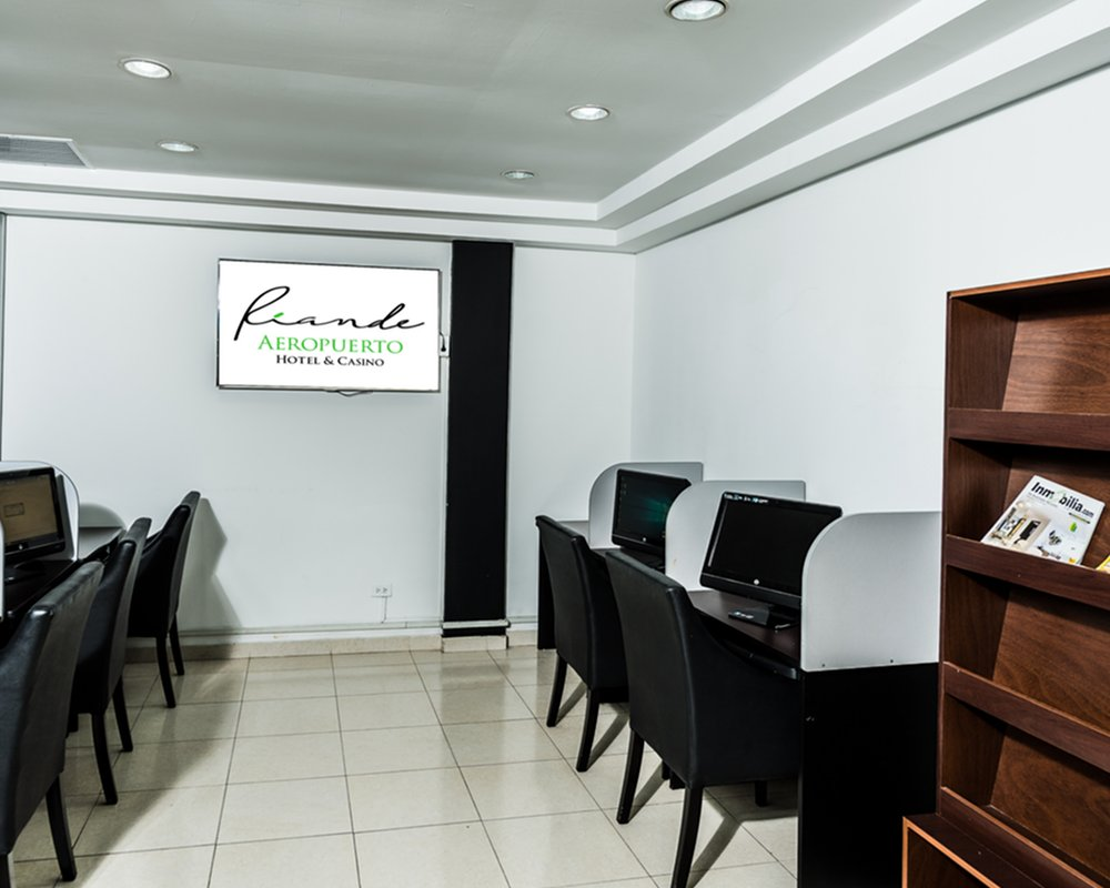 Business Center 2 - Riande Aeropuerto